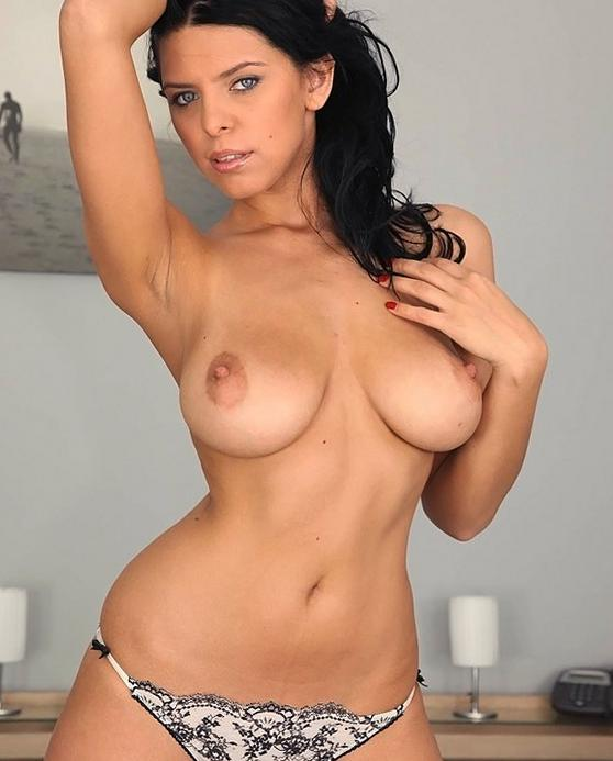 Nude women big natural tits