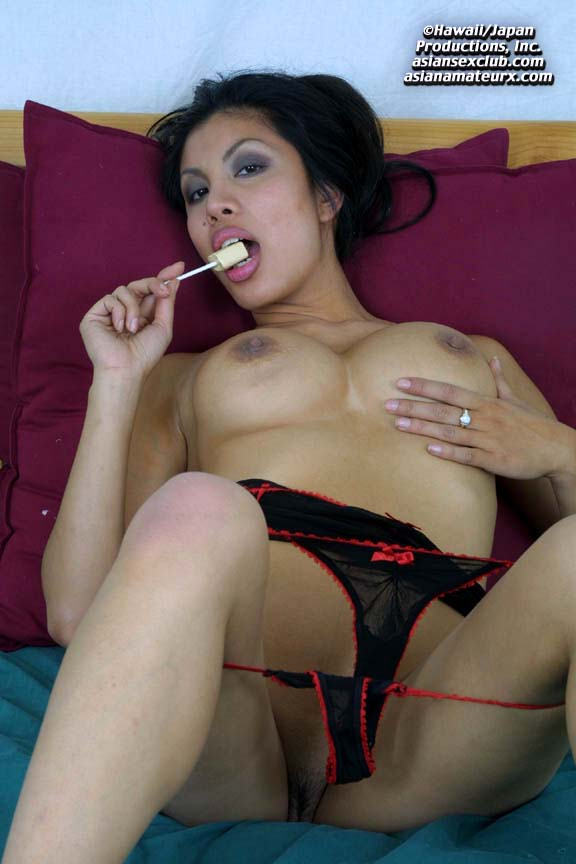 hot naked mature asian woman