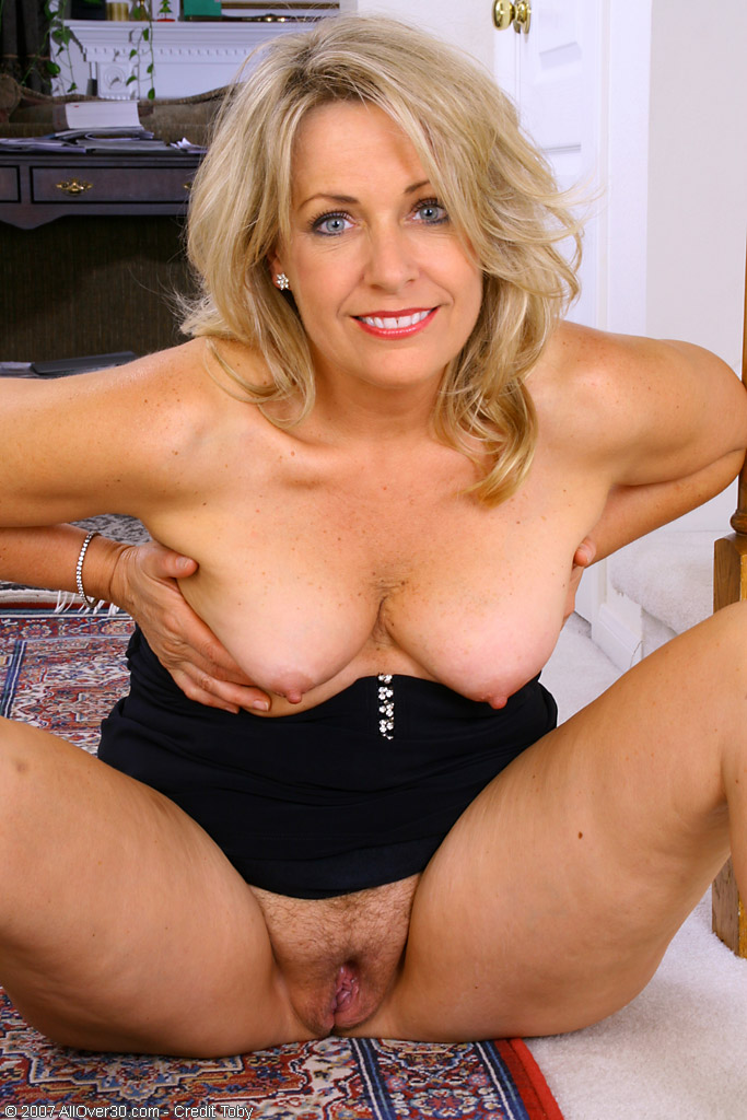 Mature women nude something