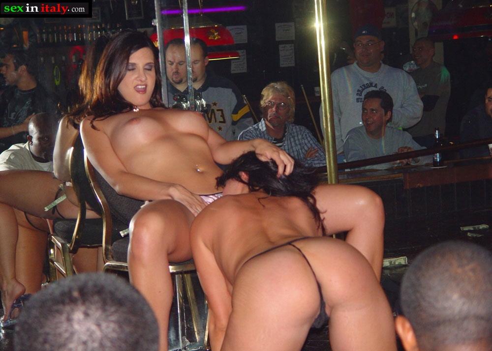 Порно танцы в клубах
