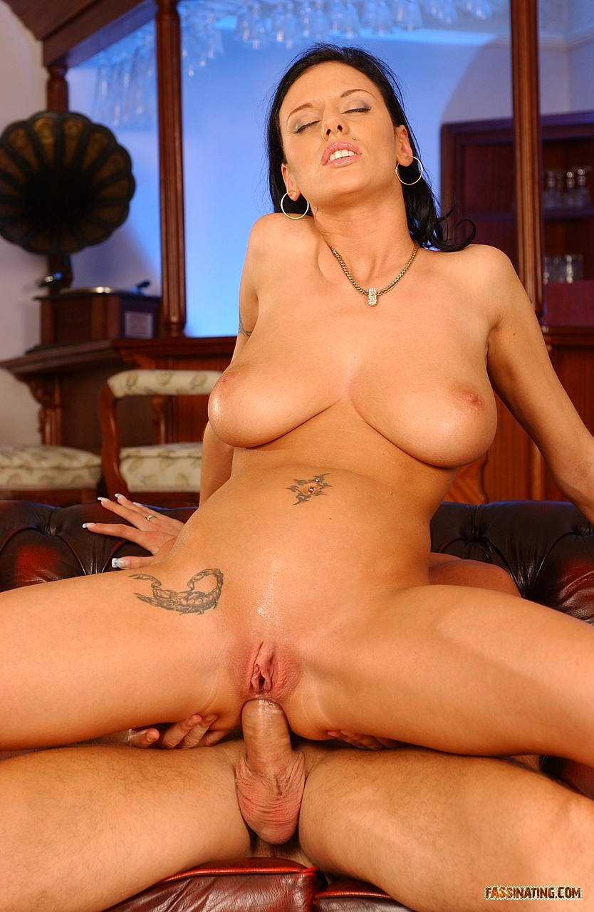 Кристина блэк порно - Онлайн видео 18+ для самых настоящих любителей ...