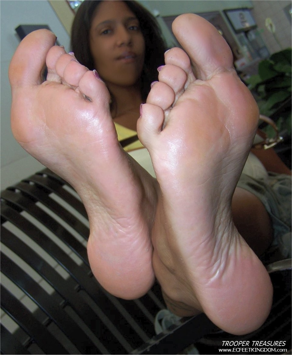 Soles ass ebony and