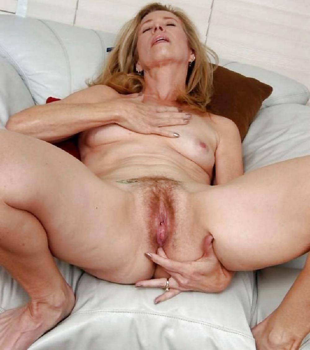 Sexy women fucking nice cock