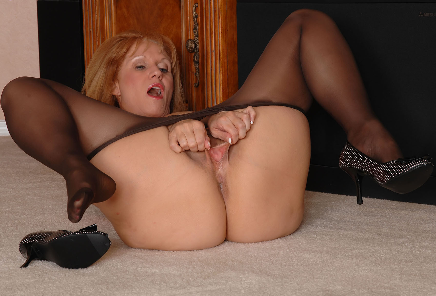 in porn Matures pantyhose
