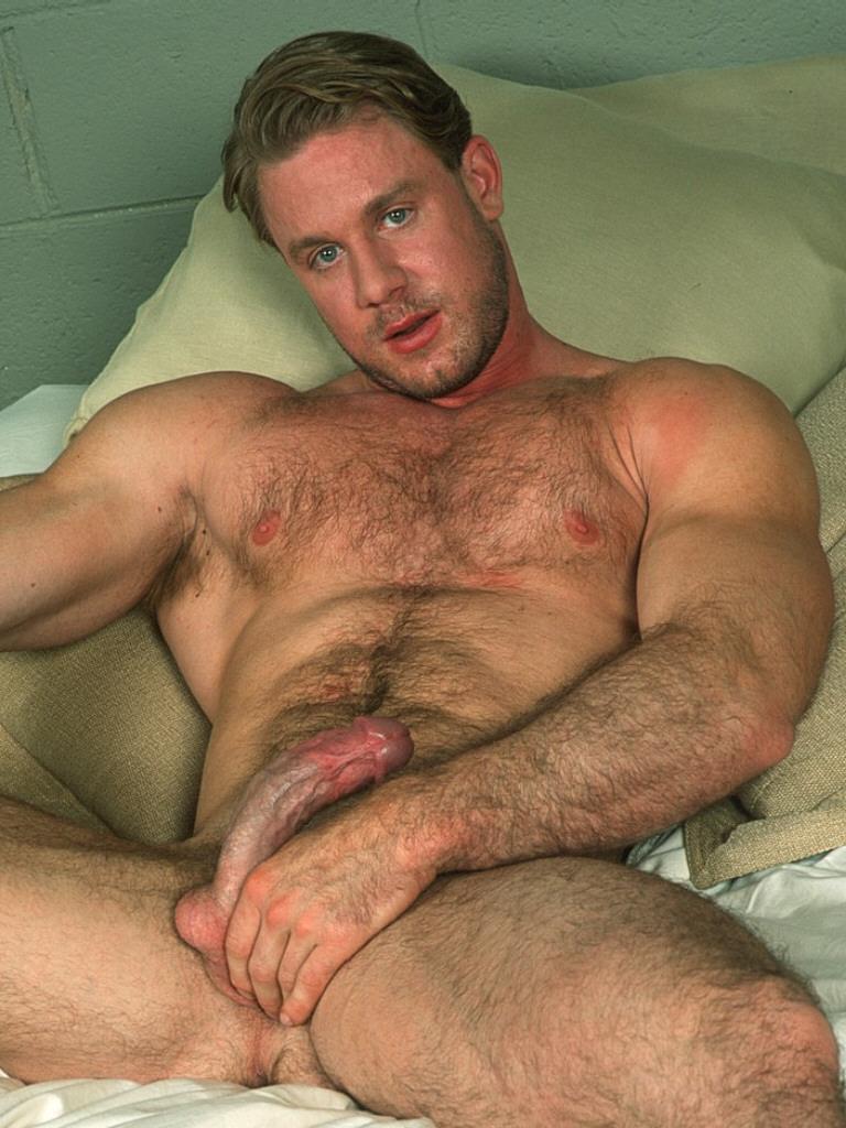 С валосатый геи грудью