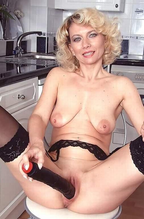 Brunettes naked older Brunette