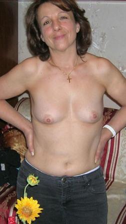 Women for sex looking older MeetMatures