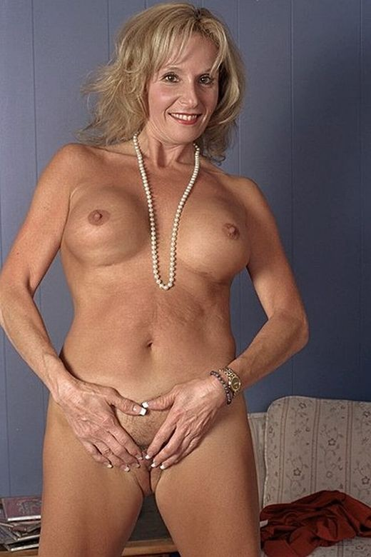 Nice tits on older women