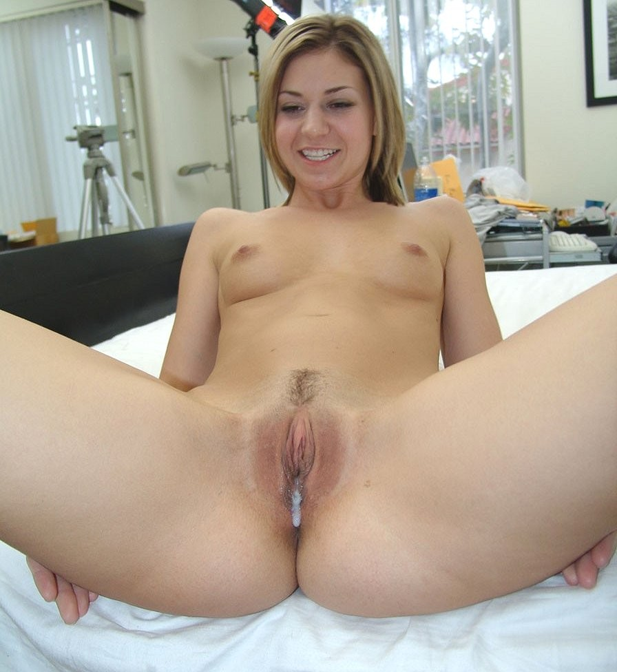 girl cuming out of pussy