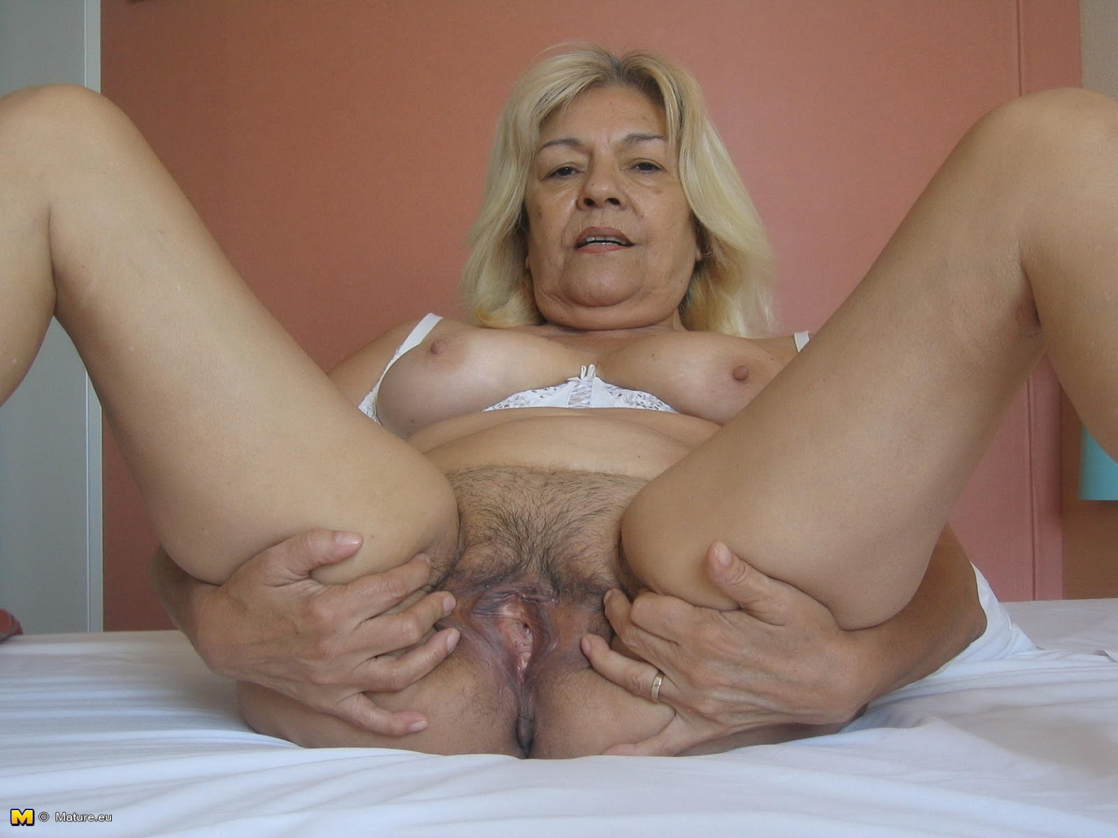 mature self shot nude women