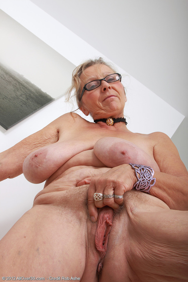 Old Man Eating Hairy Pussy