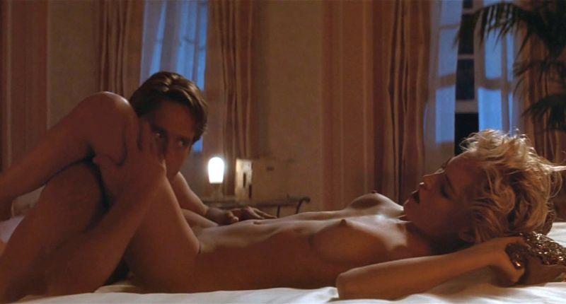 Смотреть эротический фильм с шерон стоун