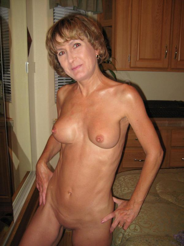 The best real amateur milf porn
