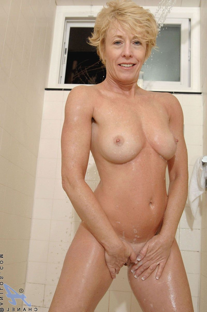Older Nude Cougars