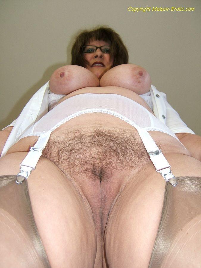 Mature porn in girdles