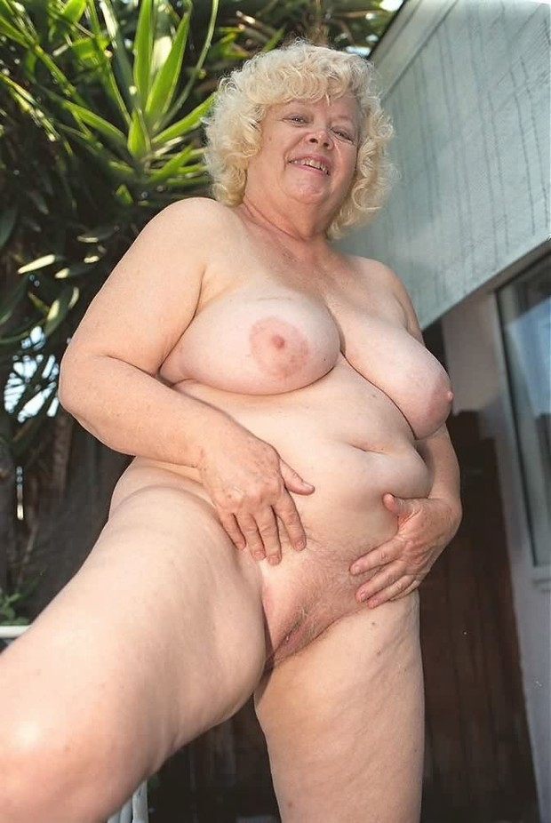 Welsh British Mature Big Tits