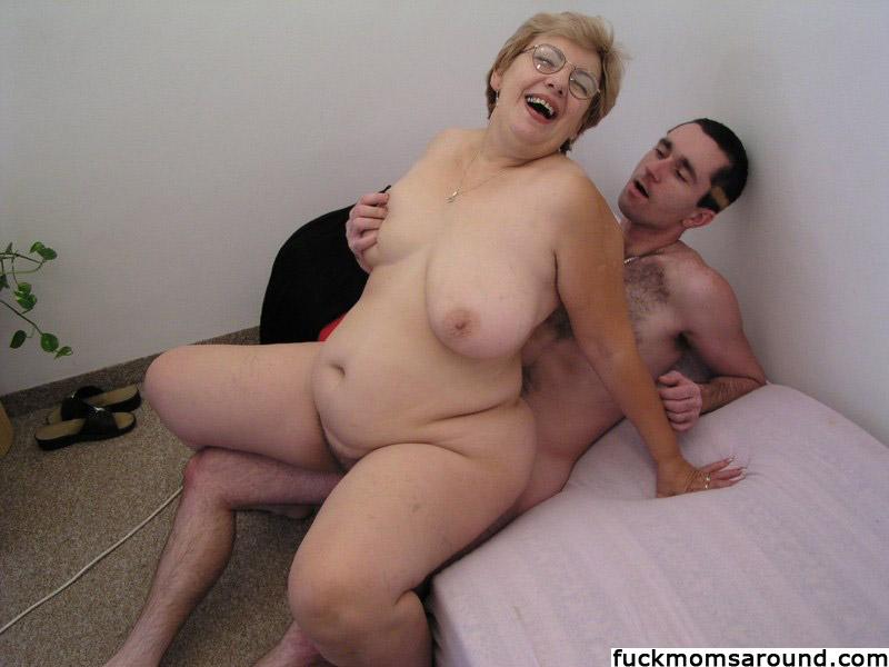 moms with boys sex videos