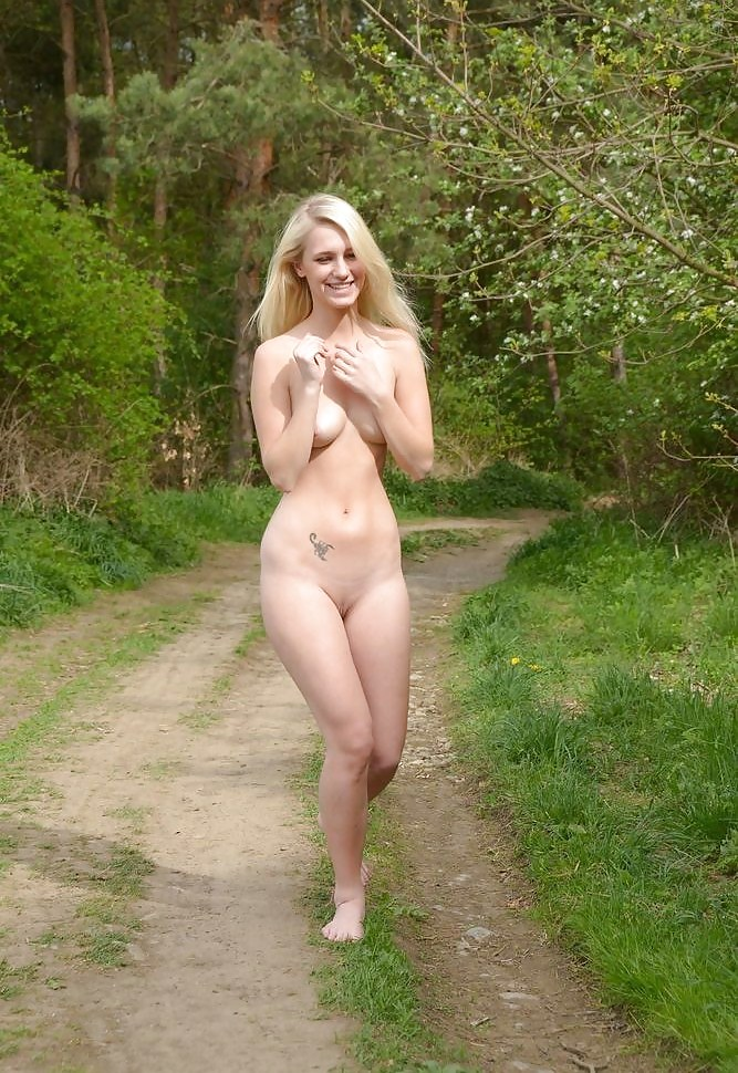 Sexy Teen Twerking Naked