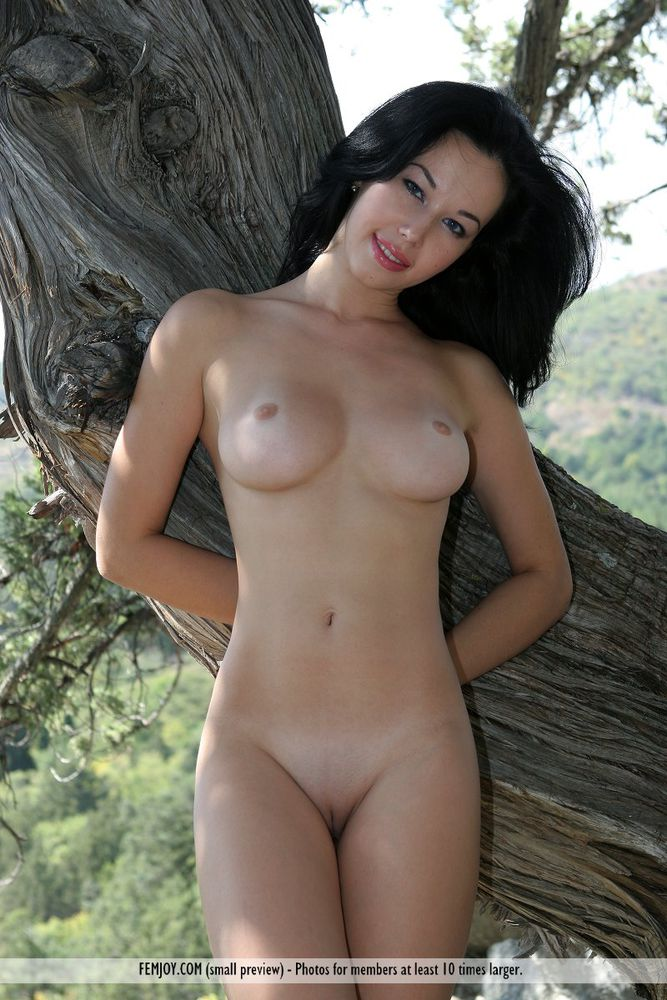 hi5 Nudist girl photo