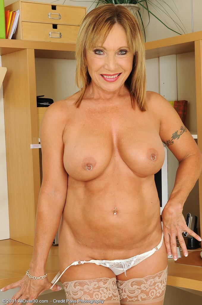 Mature woman tits xxl