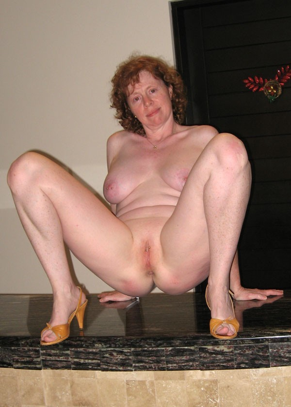 Spread leg chubby mature women
