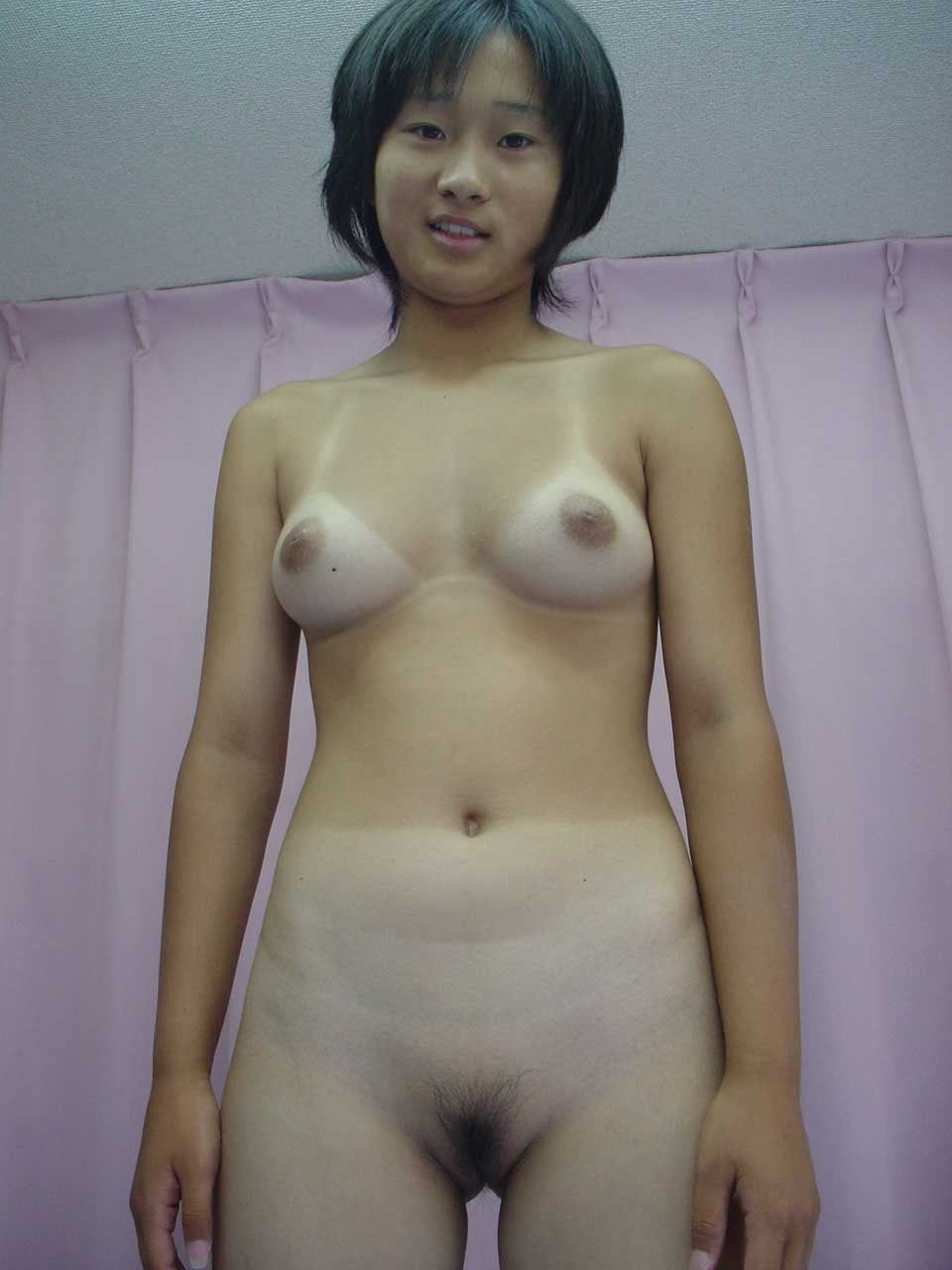 naked pretty korean woman