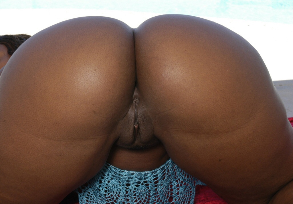 Wide ass hole