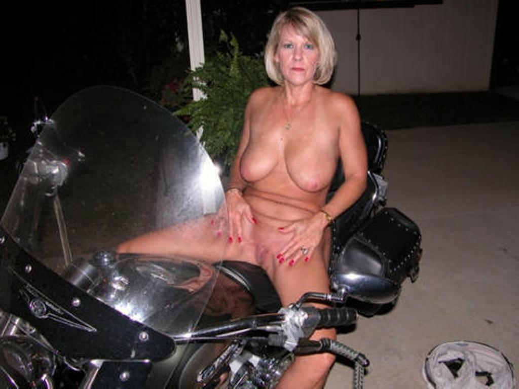 Biker chicks photos   XXX Porn Library