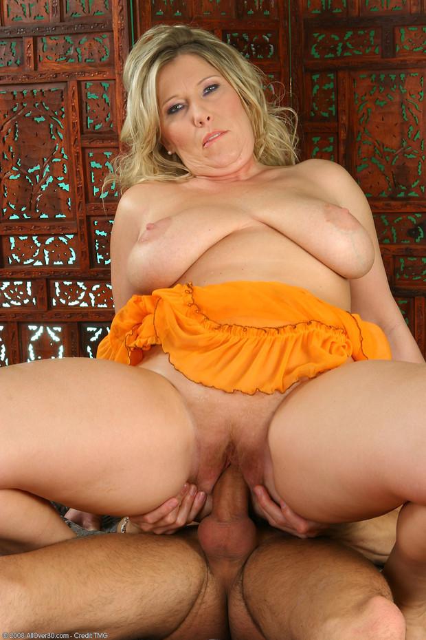 Blonde Milf Big Tits Cum