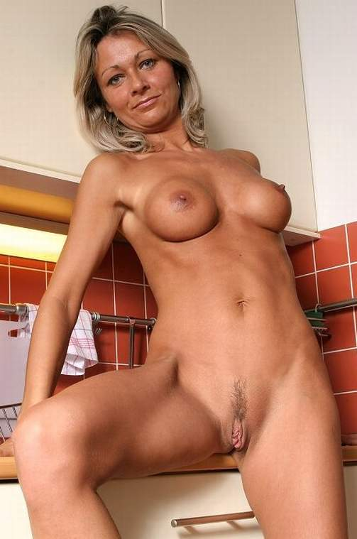 sex molde hot older women