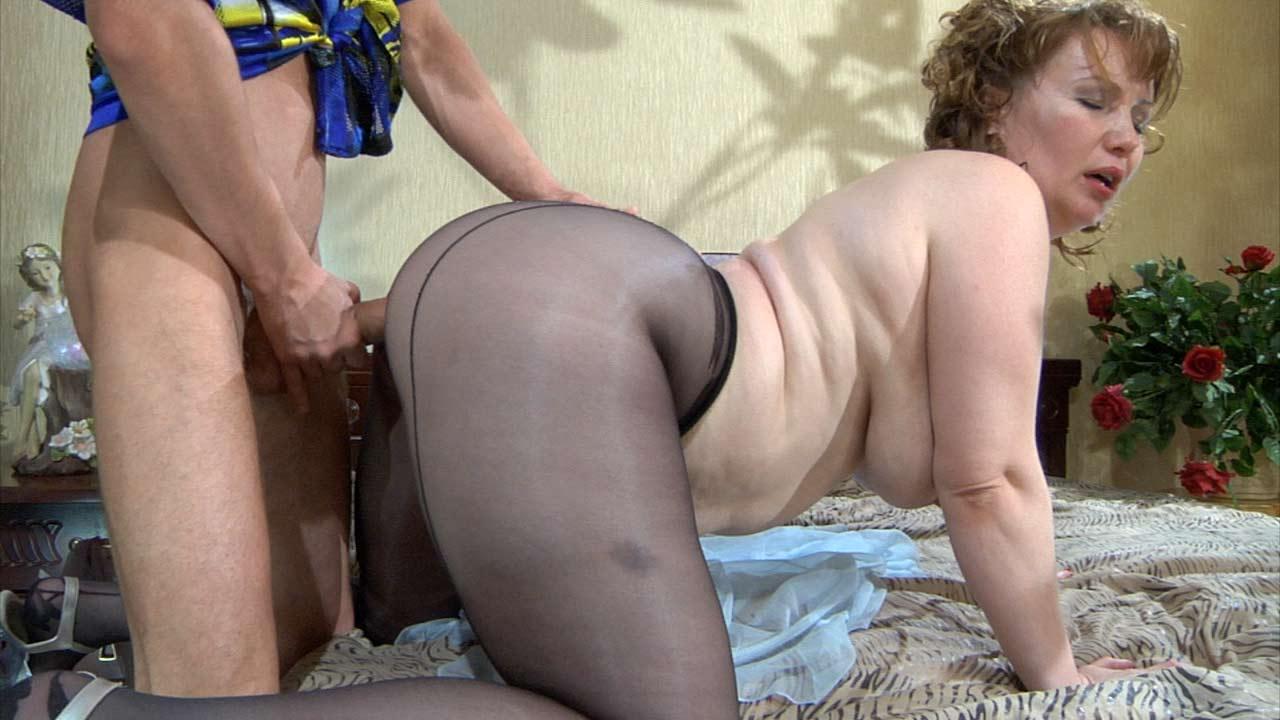 Зрелые жопастые леди