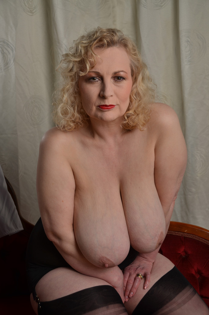 Free amatuer granny and milf pictures