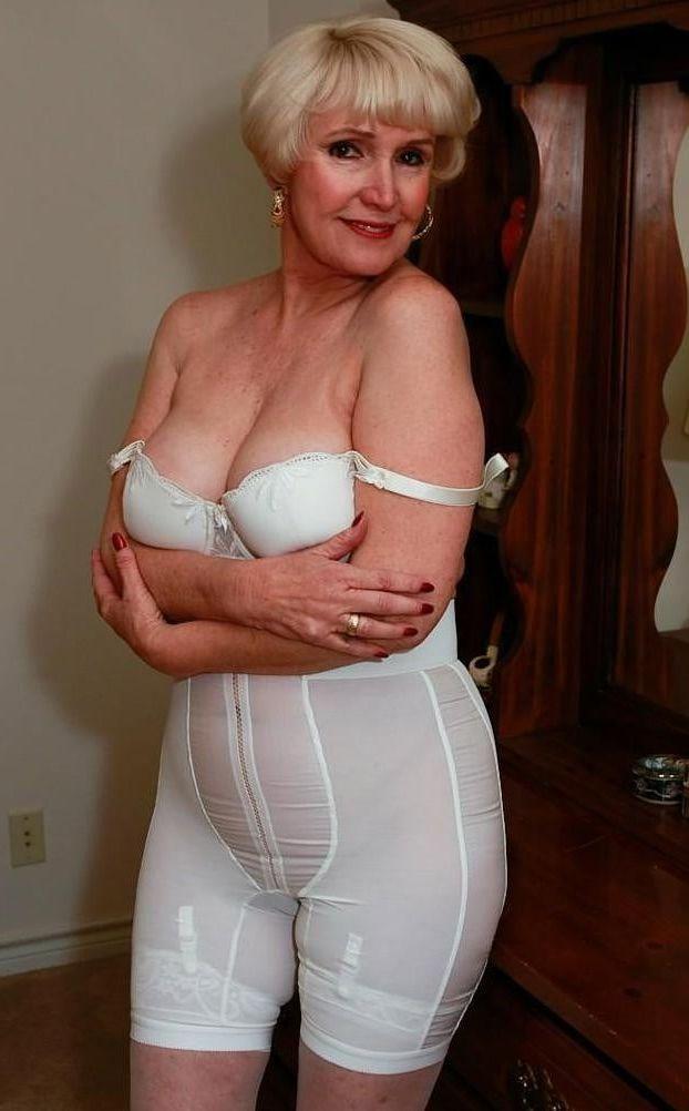 Mature Women Wearing Stockings 53