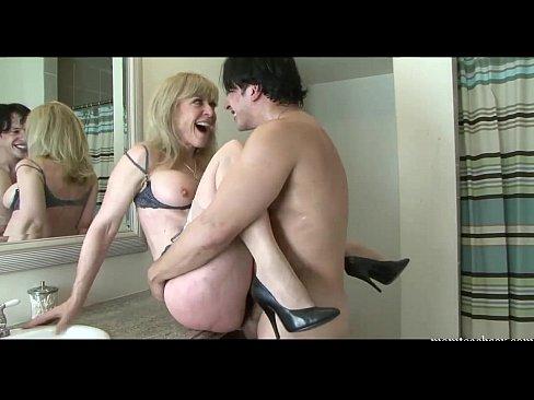 Mom seduce porn