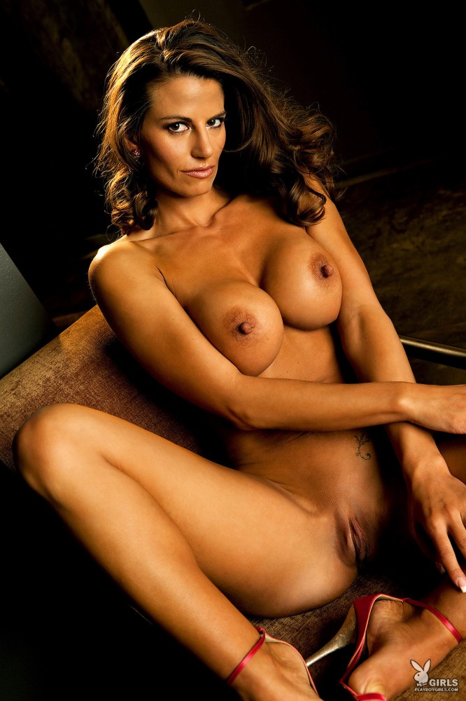 fun naked women activities