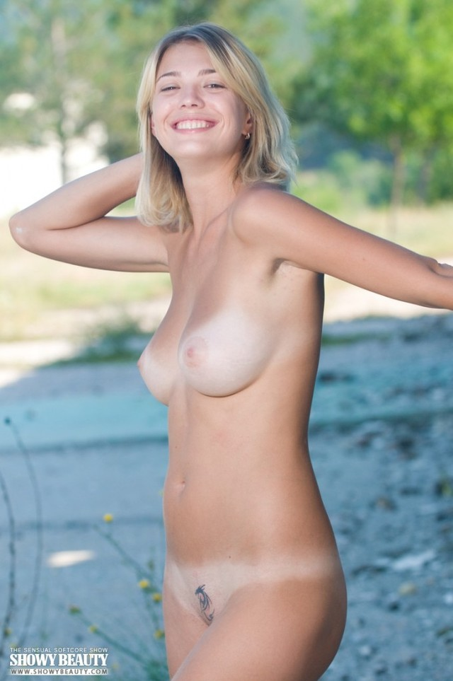 Nude russian female escorts pic 290