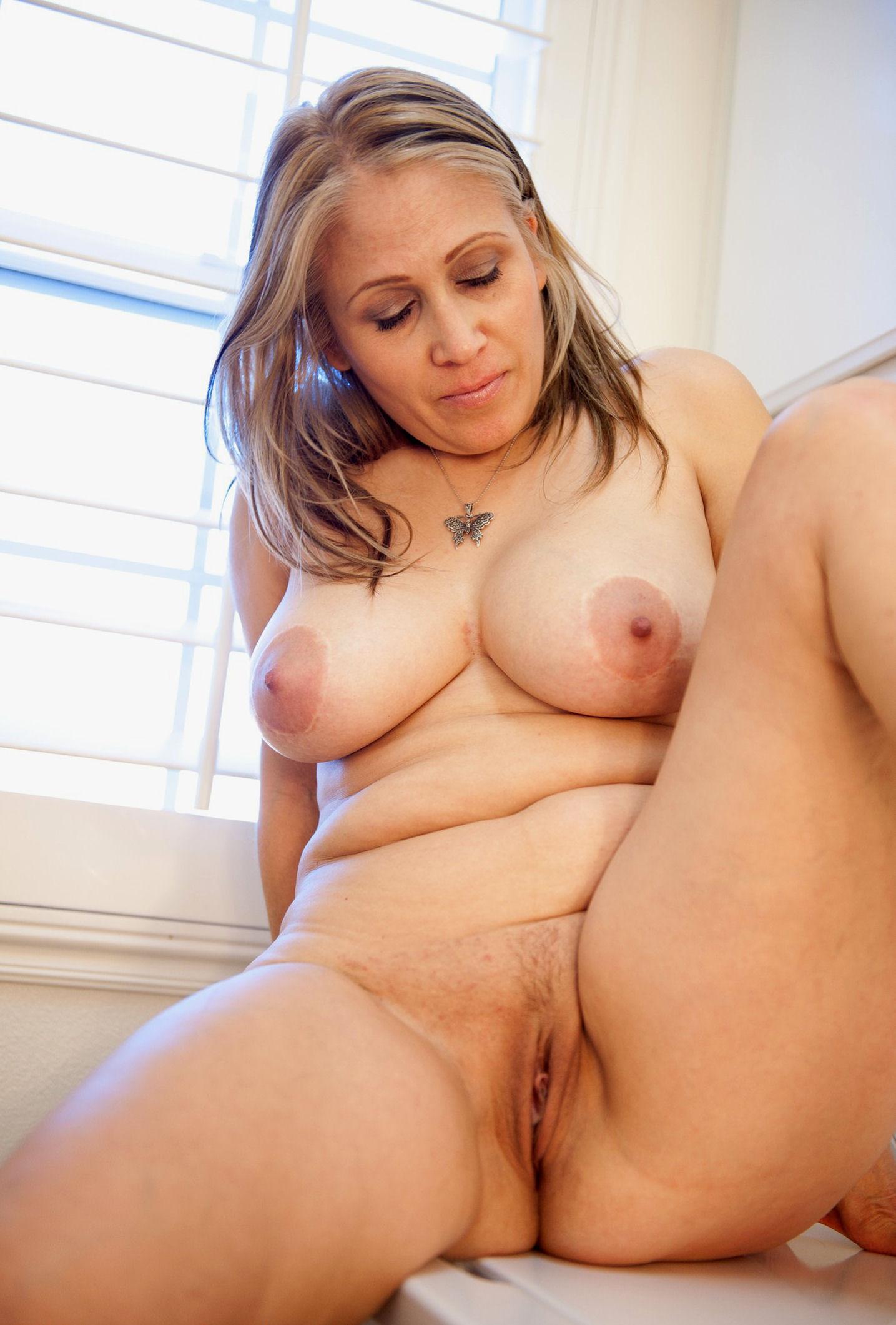 Nude women mature big tits | XXX Porn Library