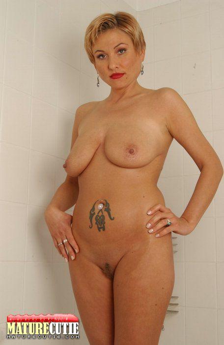 naked woman big titts jpg 1500x1000