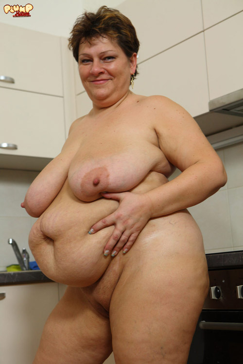 Excellent Mature bbw stripping solo about