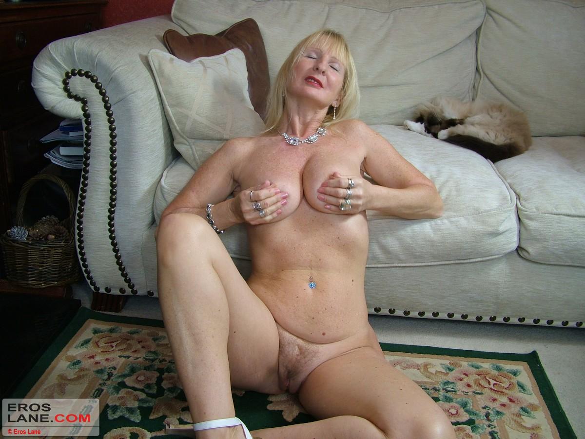 i need my cock sucked off
