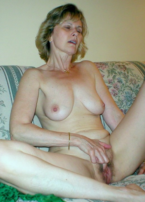 Masturbation By Mature Ladies 78