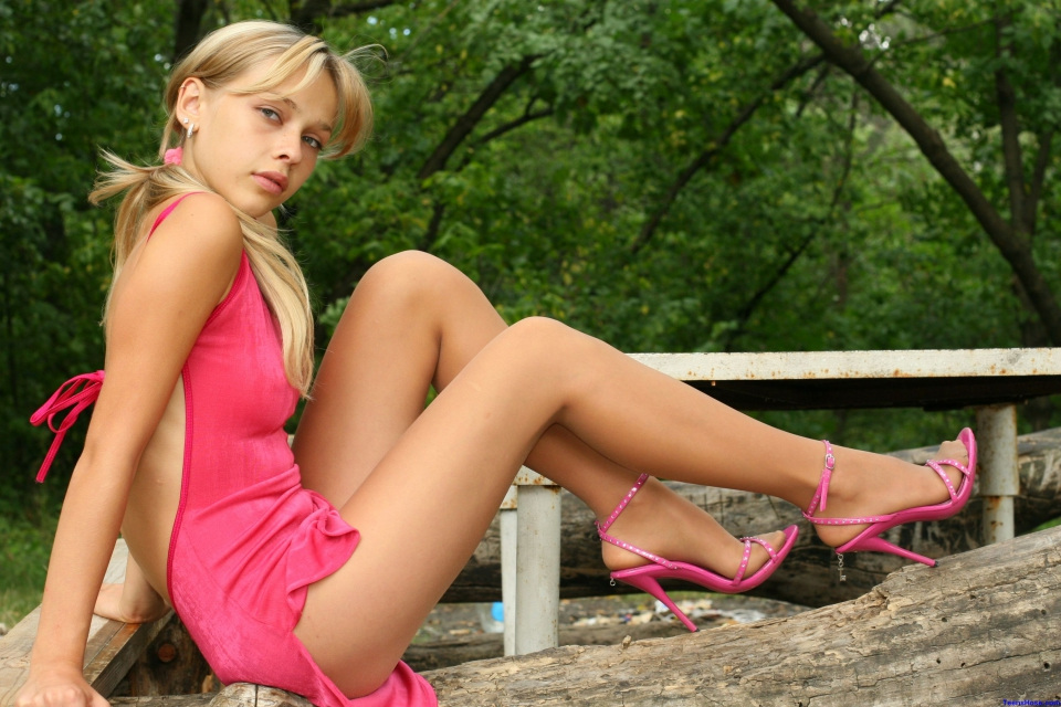 Nude teen girls outdoors
