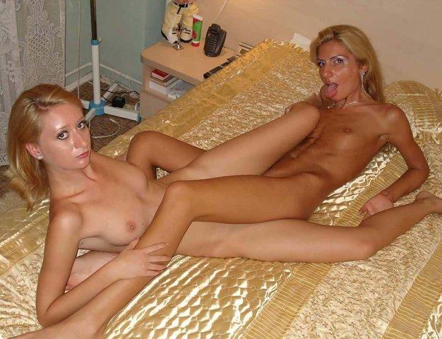 Lesbian Strapon Mom Daughter