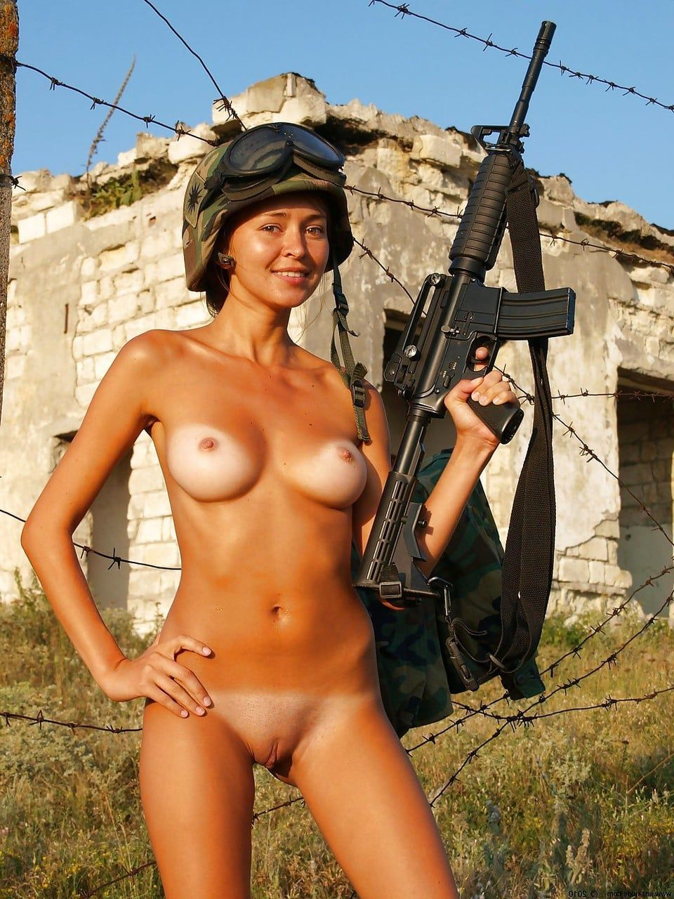 Hot naked chicks with guns seems me