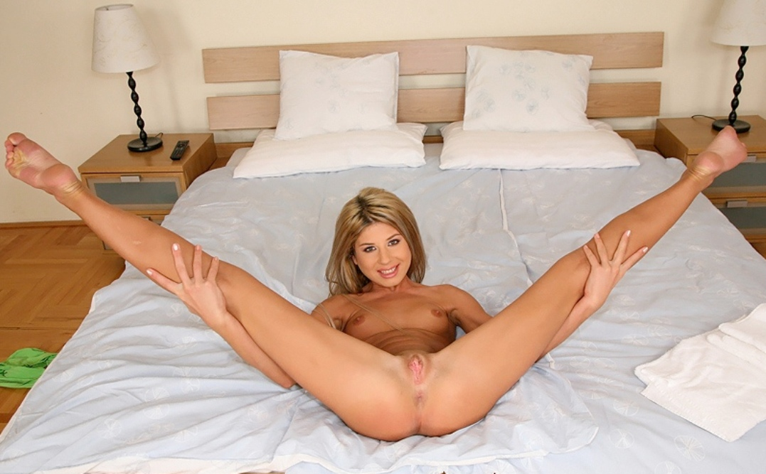 Very Young girl nudists spread legs there are