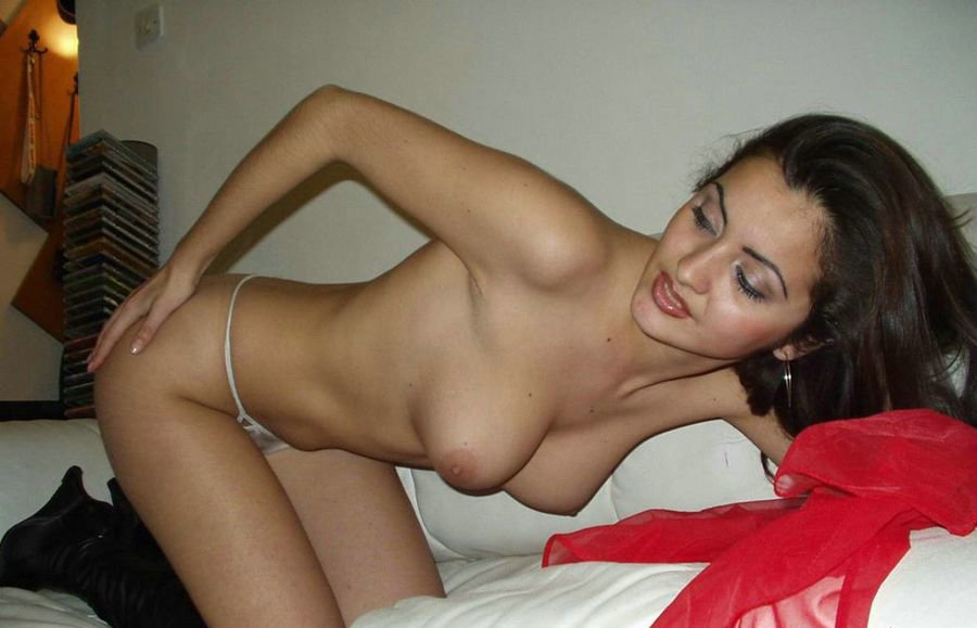 Non nudes junyor film online