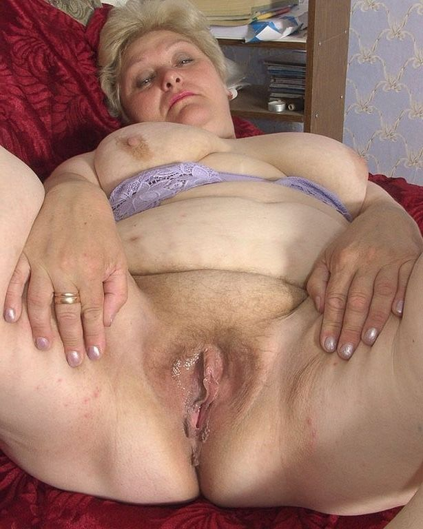 Picture Of Older Large Wide Open Cunt 24