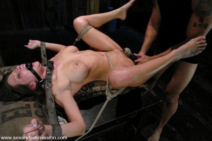 Free hardcore bondage sex