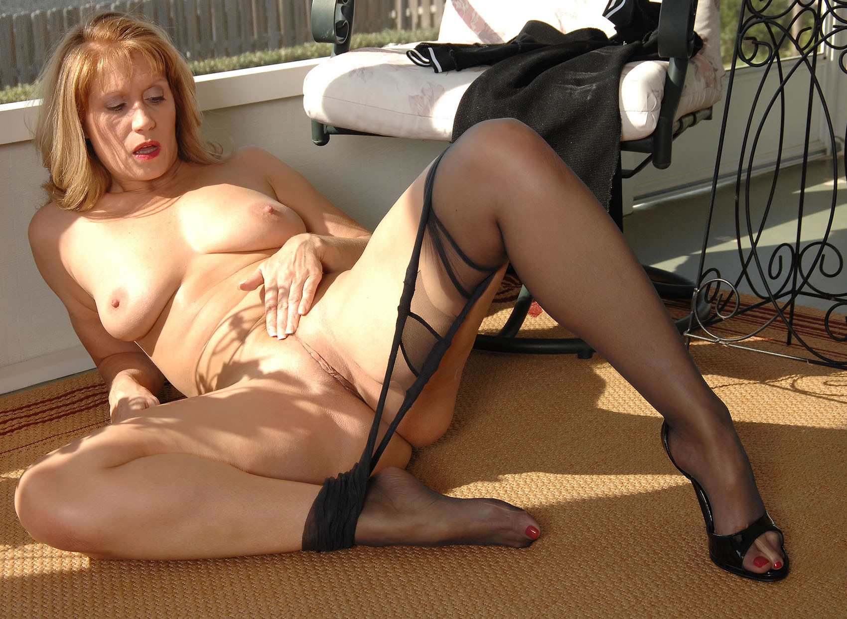 Mom mature milf nylon
