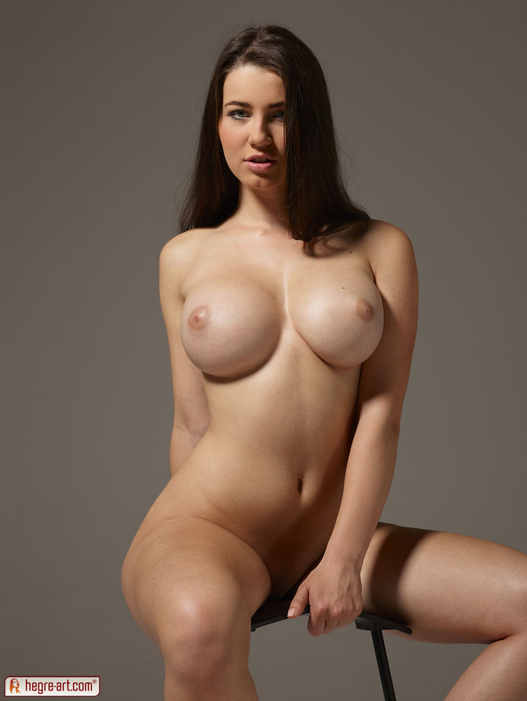 model Beautiful nude curvy plus size